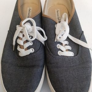 Women's American Eagle Shoes Dark Blue Size 8 1/2
